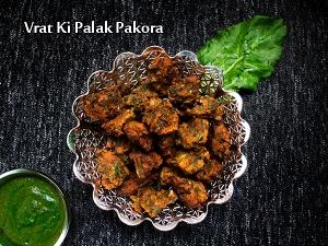 North Indian Special- Vrat Ke Palak Pakora Recipe