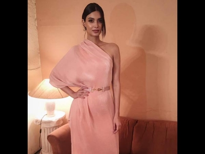 Hotness Alert: Diana In A Pink Dress