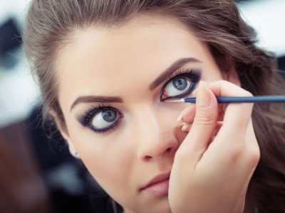 Makeup To Match Your LBD