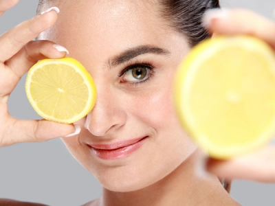 To make skin glow, try refreshing face pack made of rice powder and lemon.