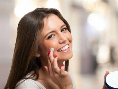 DIY: Moisturizer For Acne-prone Skin