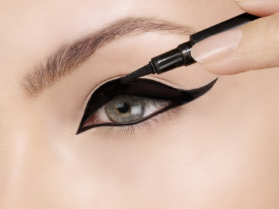 How To Apply A Liquid Eyeliner