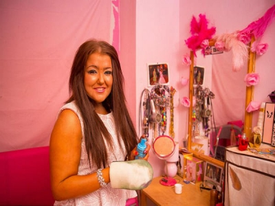 She Spent £30,000 On Her Tanning Addicti
