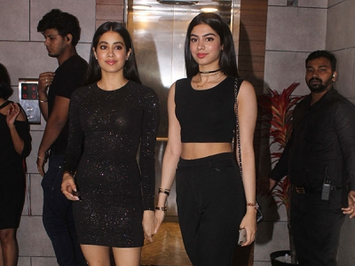 Janhvi & Khushi's Wow Party Outfits