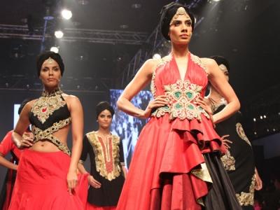 Ritu Beri's Khadi Show At TFW