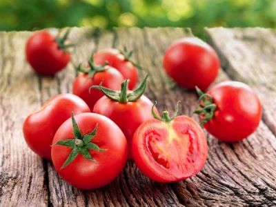 How To Use Tomato For Hair Fall?