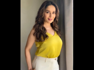 Madhuri's Contrasting Outfit