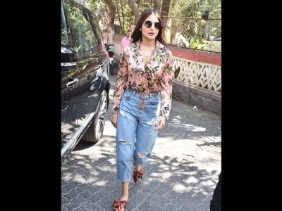 Anushka Sharma's Street-style Look