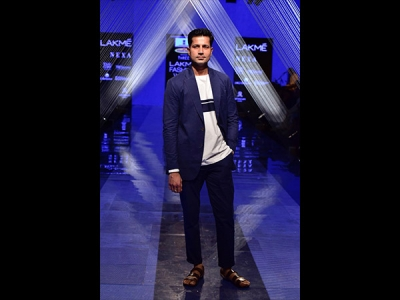 Sumeet Vyas' Dapper Look At LFW 2019