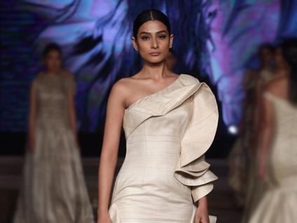 Khadi Outfits Inspiration