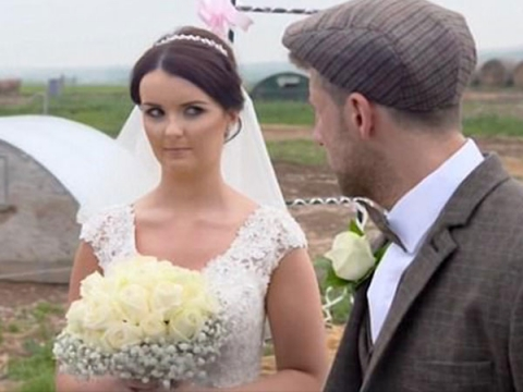 This Couple Decided To Have A 'Pig-themed Wedding On A Farm'