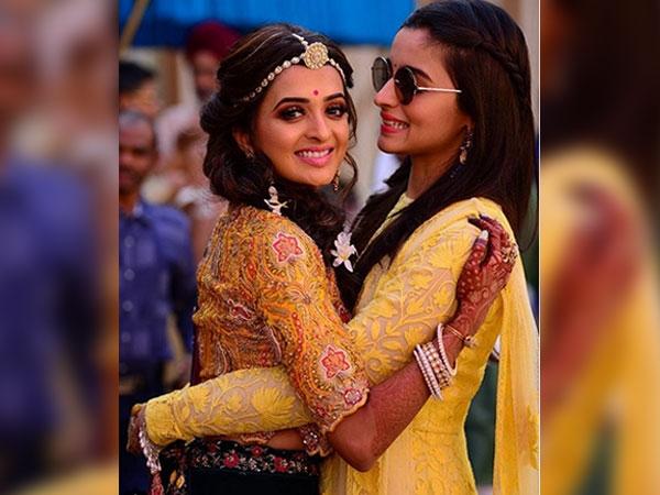Alia Bhatt Teaches You Ways To Be Stylish On Your Bestie's Wedding