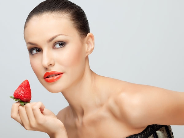Strawberry Face Masks That You should Try This Season